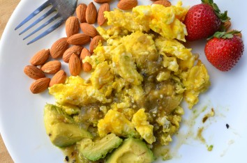 paleo-recipes_eggs-avocado-salsa