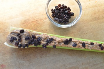 paleo-recipes_ants-on-a-log